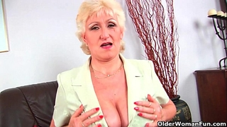Granny anna with her large milk sacks finger bonks her enjoyable matured cum-hole