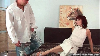 Granny receives a worthwhile fuck and creamy facial