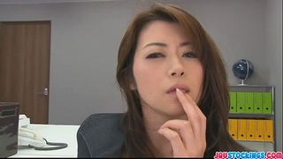 Hojo toying her vagina during an office collision