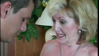 Experienced granny engulfing non-professional cock