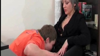 Slutty milf gives oral pleasure to sexually excited juvenile