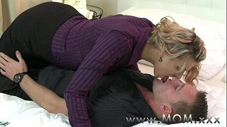 Mom milf seduces the handyman