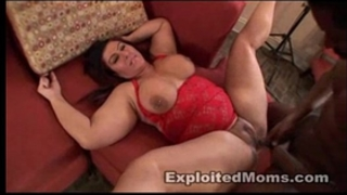 Bbw mommy wants dark jock in dilettante aged movie scene