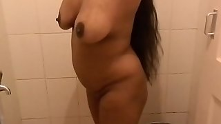 Mallu aunty bathing.mov