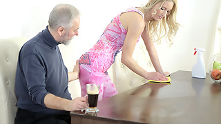 Old goes young guy makes Polina want him badly apart from sucking say no to soul