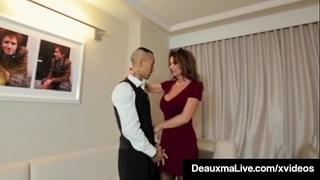Horny cougar sweetheart deauxma bonks room service chap in hotel!