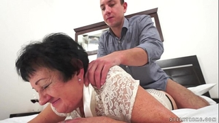 Kinky grandma screwed after massage